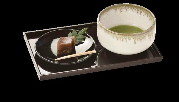 食後の抹茶と茶菓子
